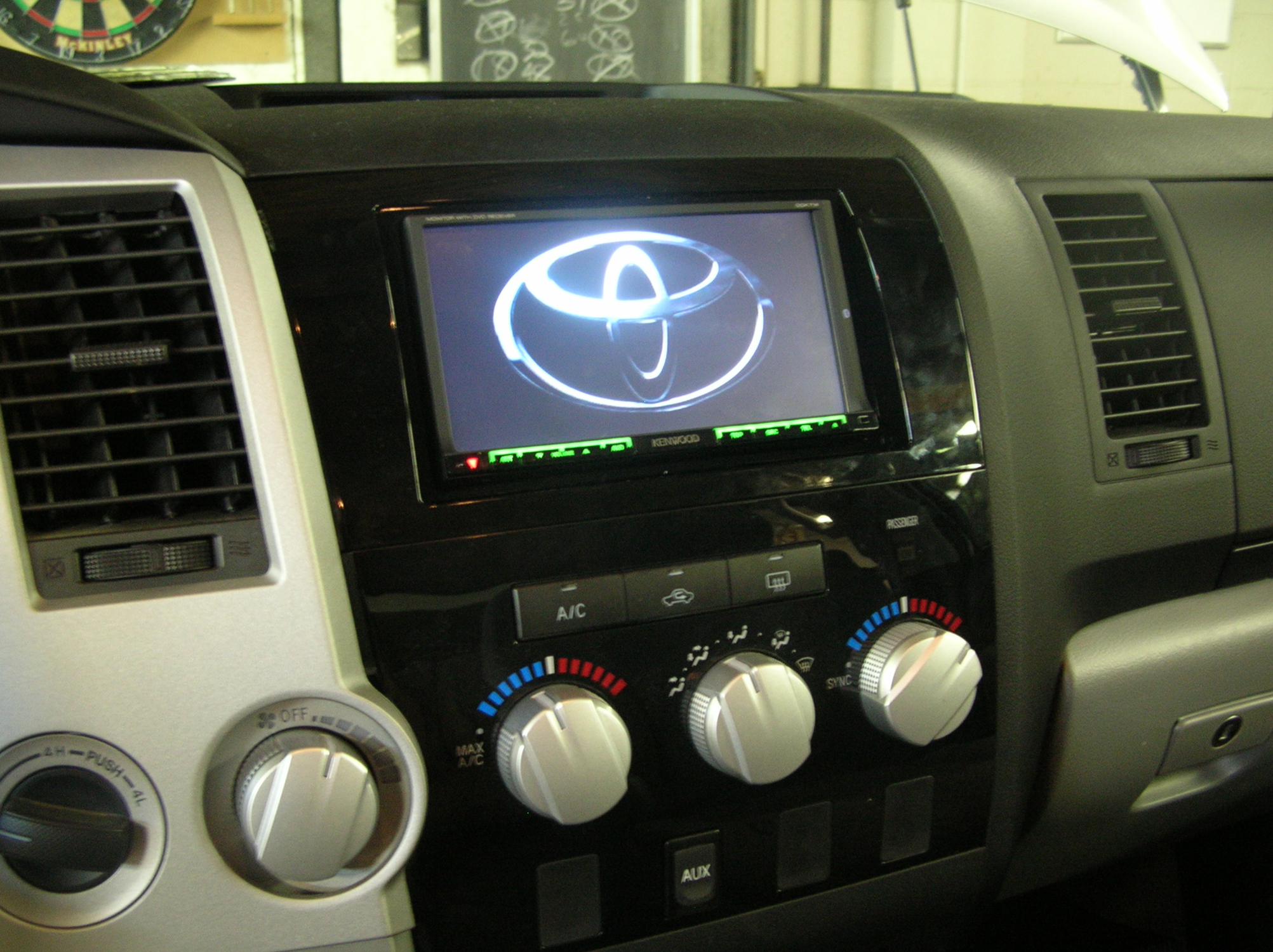 2008 Chevy Silverado Radio Wiring Diagram Together With 2004 Toyota