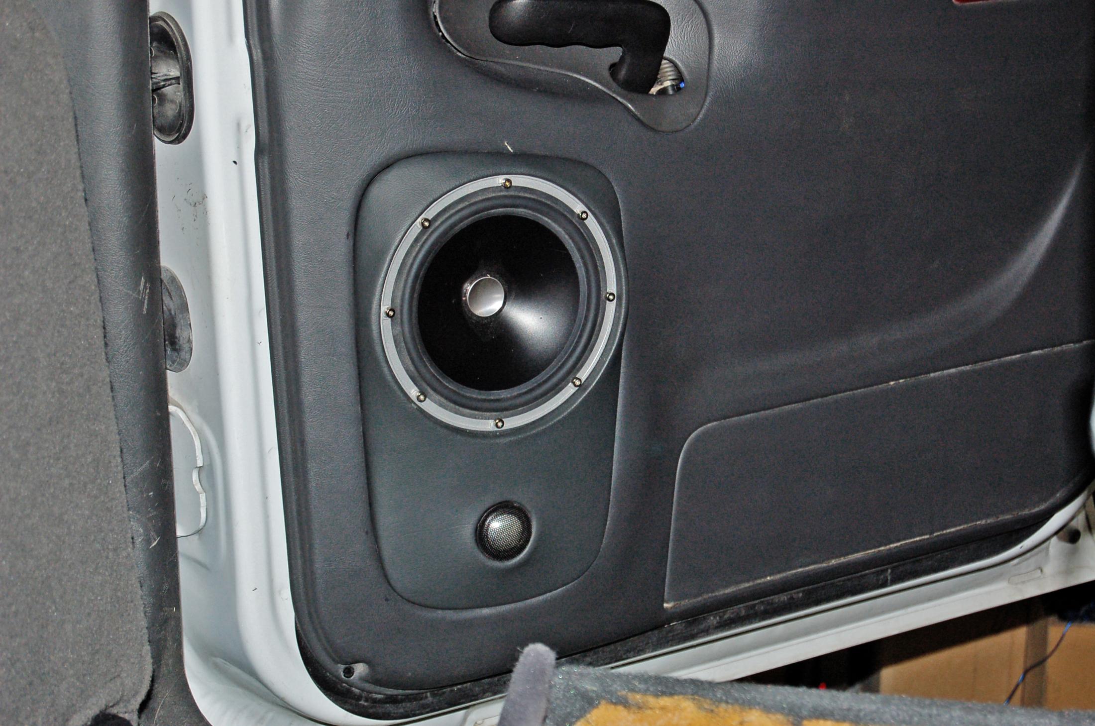 ... jl audio zr650 speakers in sierra rear door ... & GMC Sierra 2500HD | Santa Fe Auto Sound pezcame.com