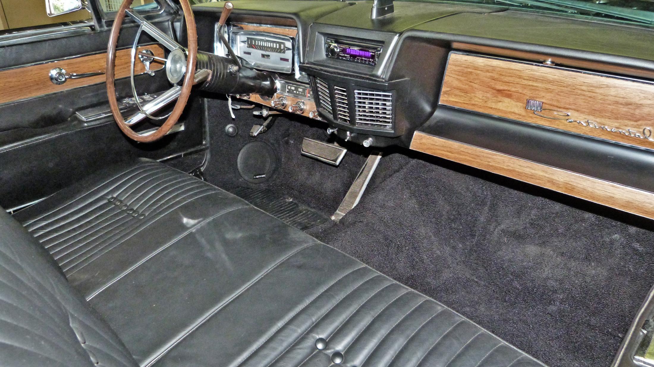 Lincoln Continental Santa Fe Auto Sound