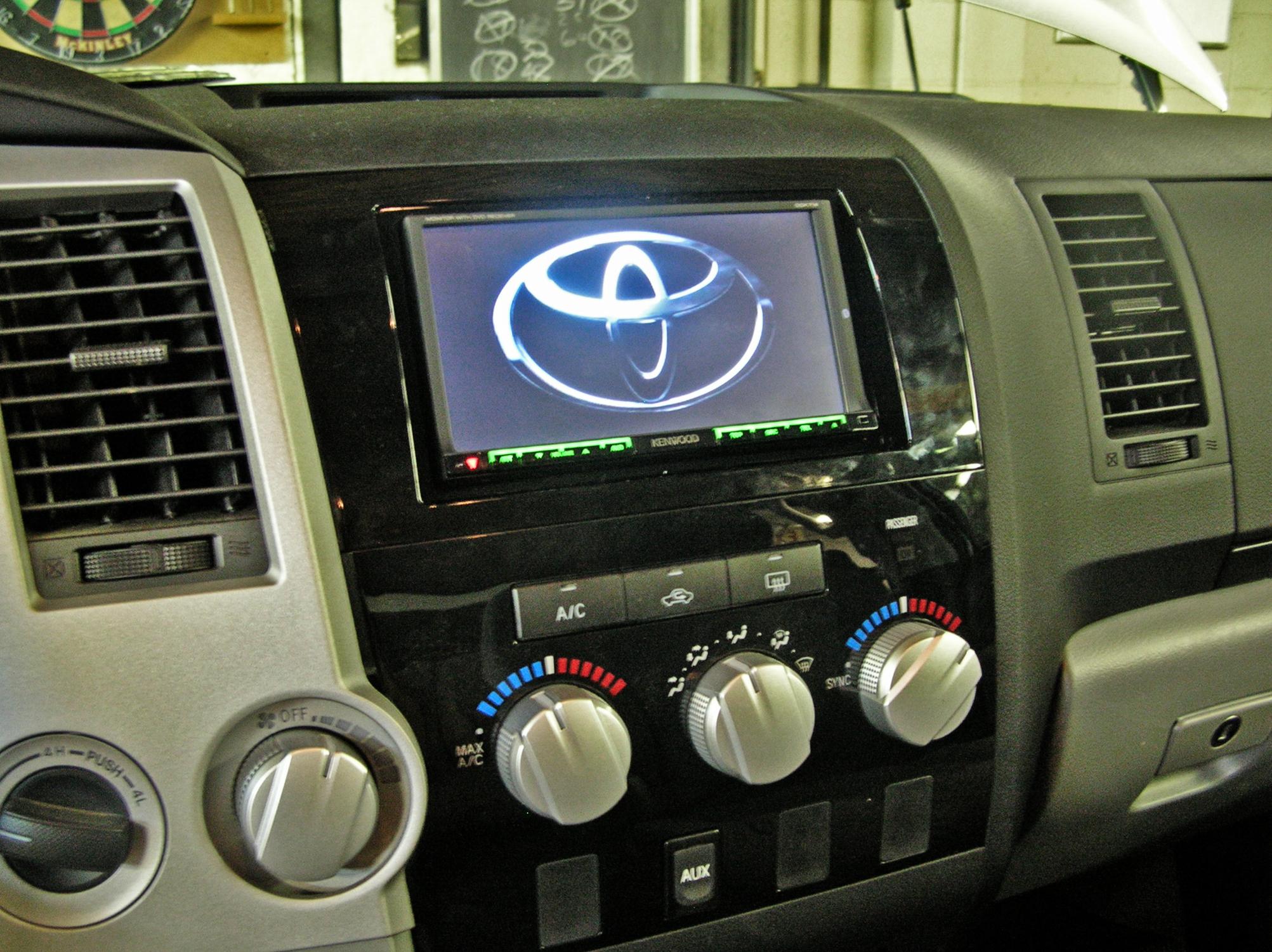 Toyota Tundra Santa Fe Auto Sound